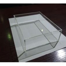Короб из оргстекла 18х14,2х5,5 см